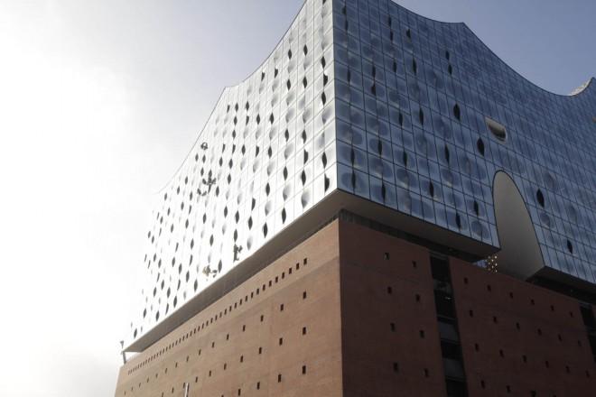 Elbphilharmonie-Hamburg_Herzog-de-Meuron_Fassade_01